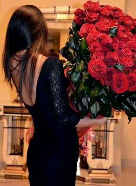 Фото с цветами со спины