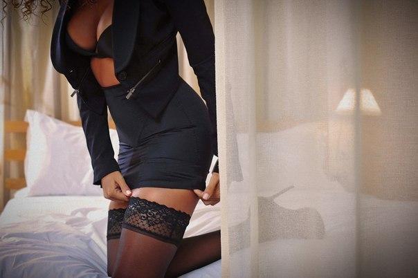 голые попы зрелых чорных мам фото